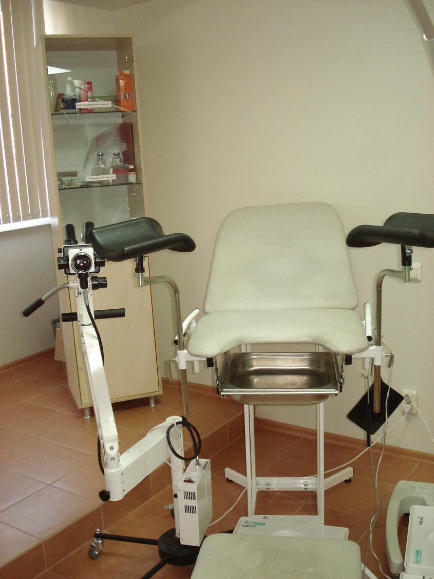 У гинеколога на столе